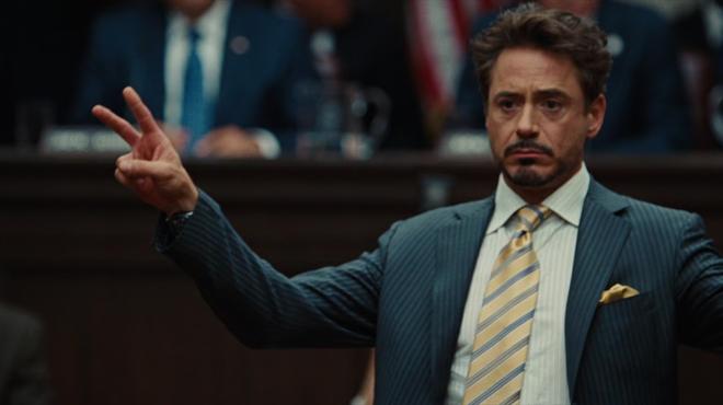 Théorie Iron Man 2 : pourquoi Tony Stark n'a pas retiré son réacteur ARK dès le second volet ?