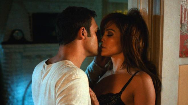 Un voisin trop parfait sur Netflix : des scènes de sexe compliquées pour Jennifer Lopez