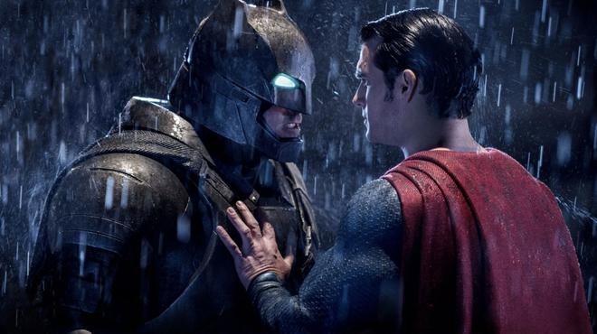 Batman v Superman : le scénariste dévoile les coulisses et se lâche contre Warner