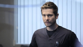 The Resident (TF1) : Conrad (Matt Czuchry), licencié, va-t-il disparaître de la série ?