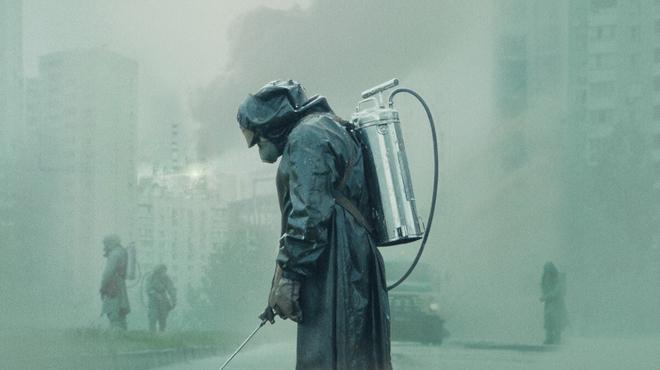 Chernobyl sur M6 : pourquoi la série est en langue anglaise ?
