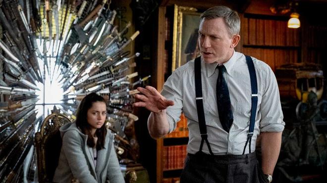 À couteaux tirés 2 : Daniel Craig change de look sur une première image