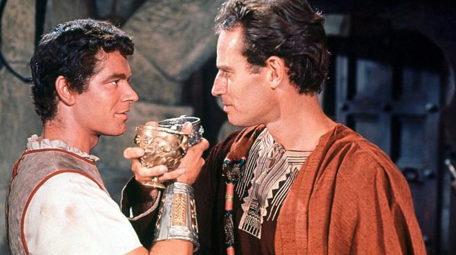 Ben-Hur sur C8 : le débat sur le sous-texte homosexuel du film a agacé Charlton Heston