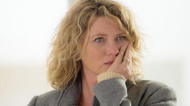 Examen de conscience sur France 2 : Cécile Bois bien loin de son rôle dans Candice Renoir
