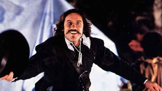 Cyrano de Bergerac sur TMC : Gérard Depardieu a rejoué sa tirade dans Danse avec les Stars