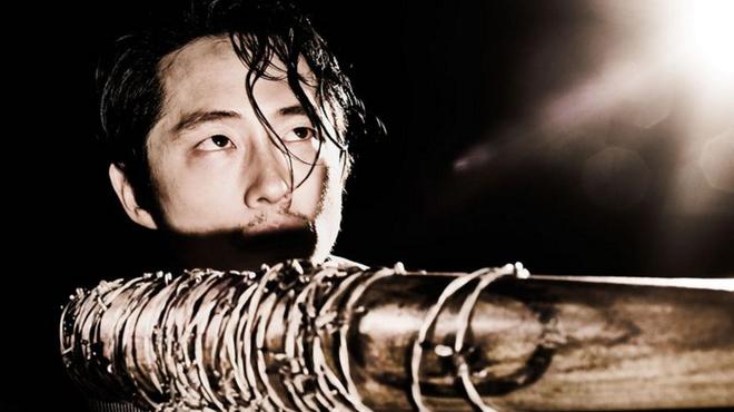 The Walking Dead : les coulisses de la mort de Glenn en vidéo