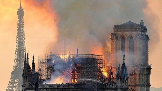Incendie de Notre-Dame : une série Netflix en tournage