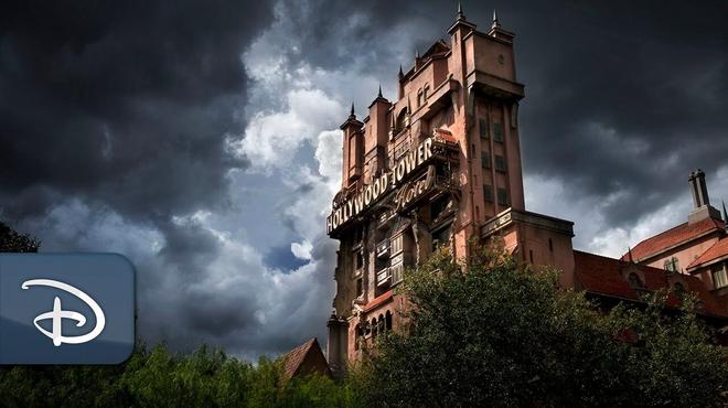 Disney+ met en ligne une série sur les coulisses des attractions de Disneyland