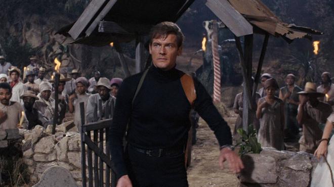 Vivre et laisser mourir : découvrez la cascade très dangereuse réalisée pour le 8ème James Bond