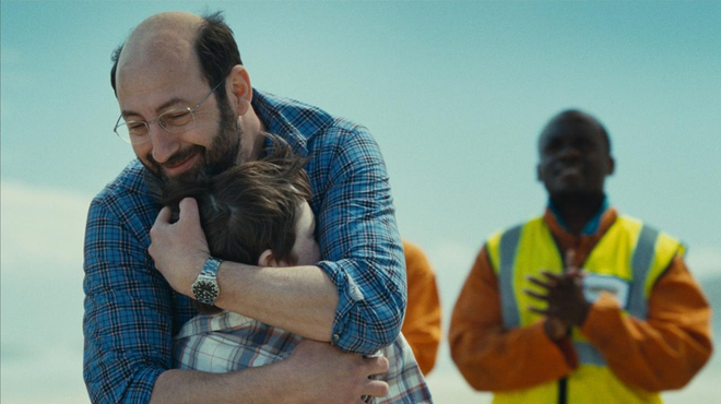 Monsieur Papa sur NRJ12 : le film de Kad Merad est-il une adaptation ?