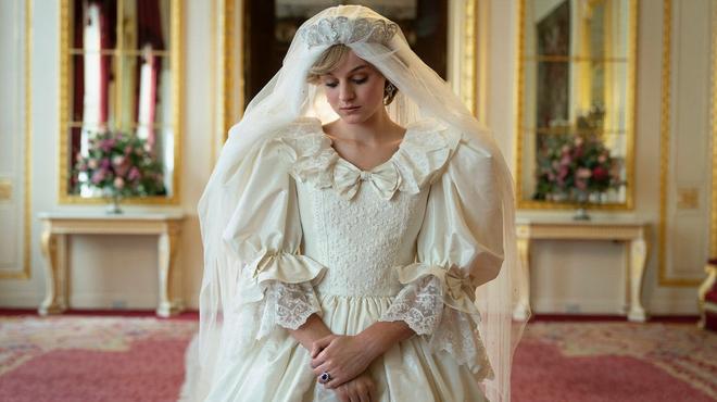 The Crown saison 5 : premières images de Charles et Diana
