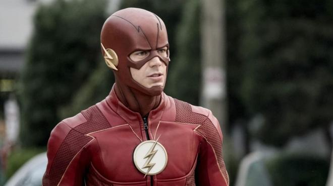 Flash saison 8 : des membres du Arrowverse réunis pour Armageddon