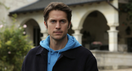 Lucas Bravo (Emily in Paris) va donner la réplique à Julia Roberts et George Clooney